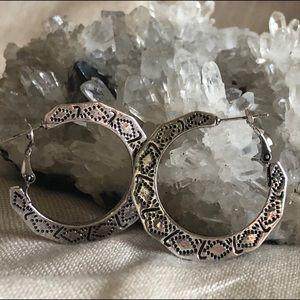 "Jewelry - Boho Chunky Silver 1-1/2"" Dia Hoop Earrings NWOT"